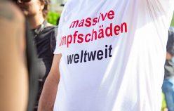 VIENNA, AUSTRIA - SEPTEMBER 04: Participants of the 2nd Children's Action Day -We Show our Faced-. Action day for children's health of the Platform Respect taking place on the Maria-Theresien-Platz on September 04, 2021 in Vienna, Austria. WIEN, OESTERREICH - 04. SEPTEMBER: TeilnehmerInen des 2. Kinderaktionstages -#wirzeigenunserGesicht- Aktionstag fuer Kindergesundheit, der Plattform Respekt auf dem Maria-Theresien-Plazt am 04. September 2021 in Wien, Oesterreich.